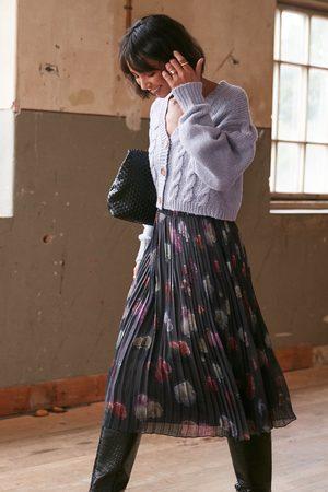 NA-KD Pleated Flower Printed Chiffon Skirt
