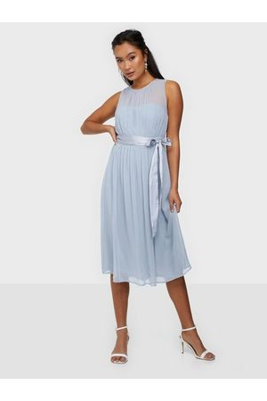 NLY Trend Such A Dream Midi Dress Dusty Blue