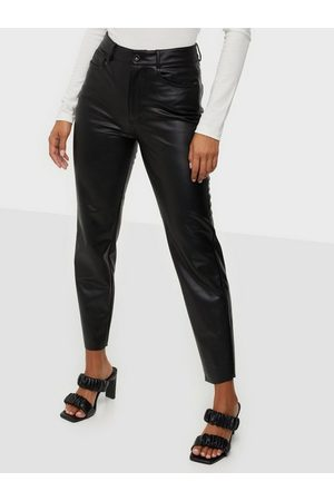 Only Onlemily Hw St Ank Faux Leather Pnt Black