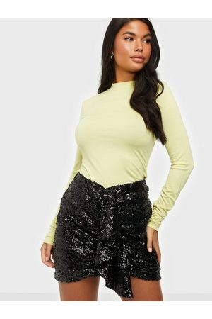 NLY Trend Tight Drape Skirt
