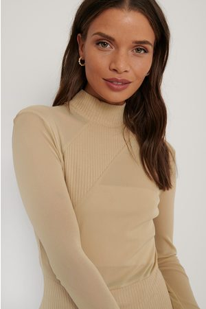 NA-KD Dame Topper - Front Detail Knitted Top