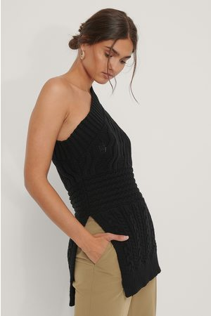 NA-KD Cable Knit One Shoulder Sweater