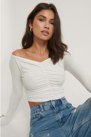 NA-KD Off Shoulder Rouched Top