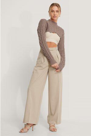 NA-KD Dame Strikkegensere - Super Short Cable Knit Sweater