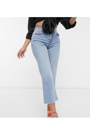 ASOS Dame Bootcut - ASOS DESIGN Petite high rise stretch 'effortless' crop kick flare jeans in lightwash-Blue
