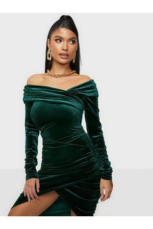 NLY Dame Festkjoler - Wrapped Velvet Dress