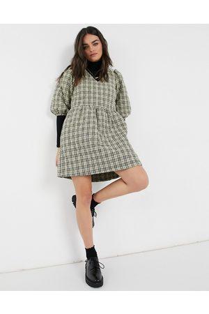 Vero Moda Quilted smock mini dress in check print-Multi