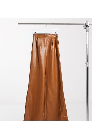 NaaNaa Dame Skinnbukser - Faux leather wide leg trousers in tan