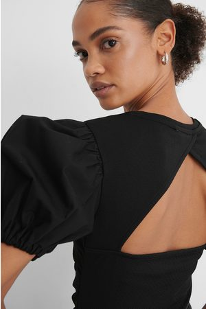 NA-KD Dame Topper - Rouched Puff Sleeve Top