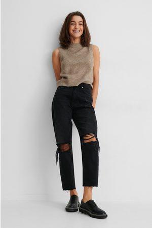NA-KD Økologiske Jeans Med Hullete Knær Og Høyt Liv