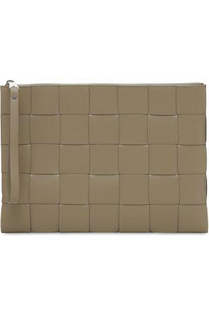 Bottega Veneta Herre Clutches - Maxi Intreccio Leather Pouch