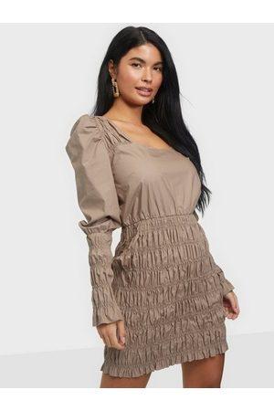 NLY Trend Body Smock Dress