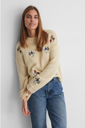 NA-KD Flower Embroidery Round Neck Knitted Sweater