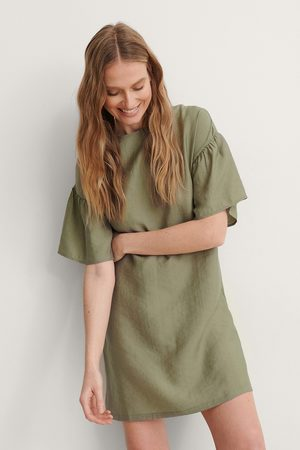 NA-KD Short Ruffle Sleeve Dress