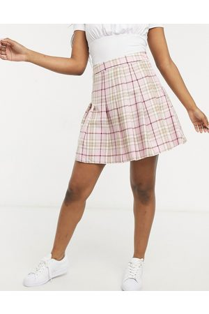 New Look Mini pleated tennis skirt in pastel pink check