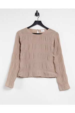 VILA Long sleeve top with gathered detail in -Neutral