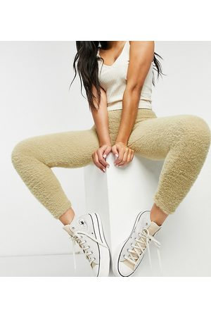 Stradivarius Fluffy leggings tri-set in ecru-Cream