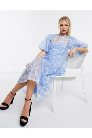 ASOS Dame Midikjoler - Embroidered organza midi smock dress in blue