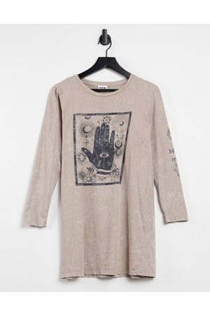 Noisy May Long sleeve oversized t-shirt with zodiac graphic in washed stone-Neutral