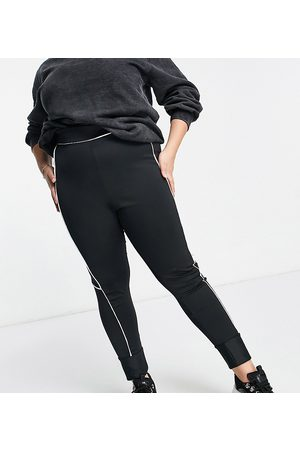 Lasula Contrast panel legging in black