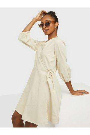 Vero Moda Dame Hverdagskjoler - Vmhenna 3/4 Wrap Short Dn Dress Ga Birch