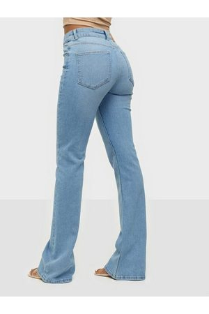 Pieces Dame Bootcut - Pcpeggy Flared Mw Jeans-Vi Bc Light Blue Denim