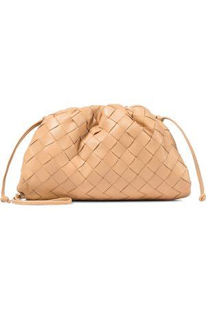 Bottega Veneta Dame Clutches - The Mini Pouch intrecciato leather clutch