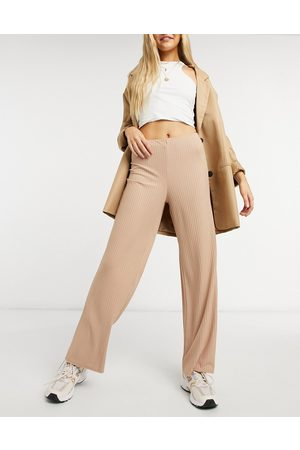 New Look Ribbed wide leg trouser in camel-Tan