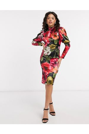 Chi Chi London Floral satin dress in floral print-Multi