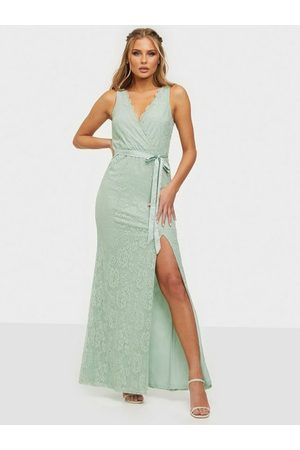 NLY Eve Fortune Lace Gown
