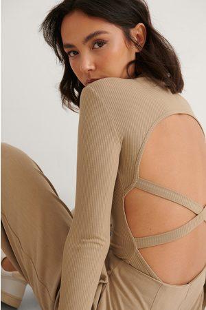 NA-KD Dame Body - Ribbet Body Med Stroppedetaljer