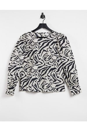 Vila Blouse in zebra print-Black