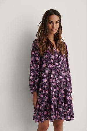 NA-KD Dame Kjoler - Buttoned Flowy V-Neck Dress