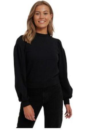 NA-KD Puff Sleeve Sweatshirt Drops