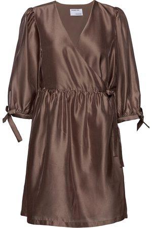Designers Remix Enola Wrap Dress Knelang Kjole