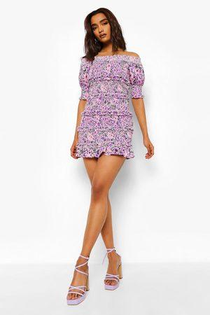 Boohoo Dame Korte kjoler - Petite Ditsy Ruffle Off The Shoulder Dress