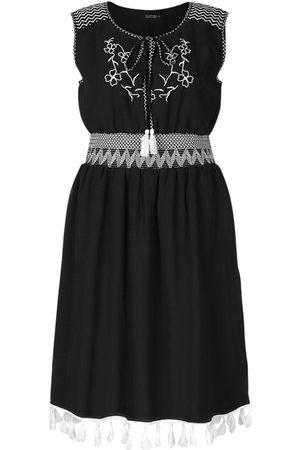 Boohoo Dame Festkjoler - Plus Embroidered Tassel Beach Dress