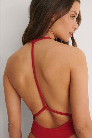 Bella Michlo x NA-KD Dame Body - Body Med Detaljer Bak