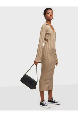 Missguided Dame Festkjoler - Rib V Neck Collared Midaxi Dress