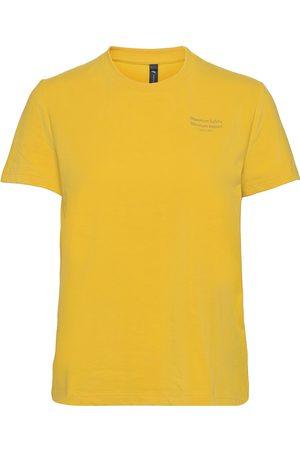 Klättermusen Dame Kortermede - Runa Refined Ss Tee W'S T-shirts & Tops Short-sleeved Gul