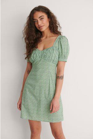 NA-KD Dame Korte kjoler - Bust Puff Sleeve Mini Dress