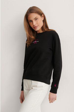 Calvin Klein Dame Hettegensere - Monogram Logo Crew Neck