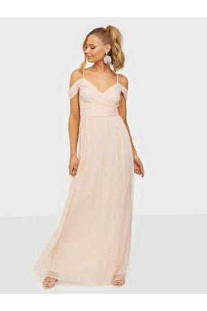 NLY Eve Off Shoulder Maxi Gown Light Pink