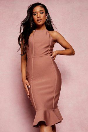 Boohoo Dame Bodycon kjoler - Petite Bandage Halter Bodycon Midi Dress