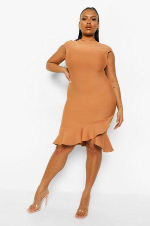Boohoo Dame Bodycon kjoler - Plus Bandage Sculpt Ruffle Hem Mini Dress