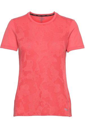 Saucony Ramble Short Sleeve T-shirts & Tops Short-sleeved