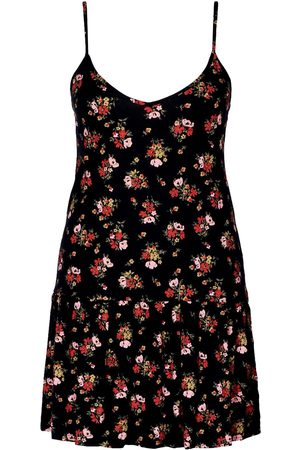 Boohoo Plus Ditsy Floral Ruffle Sundress