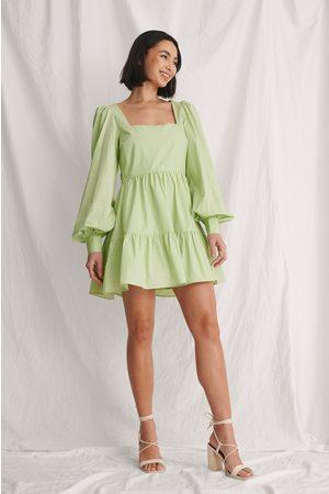 Curated Styles Rysje Kjole Med Ballongermer