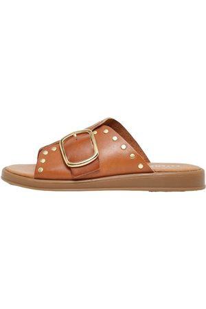 Pavement Sandals