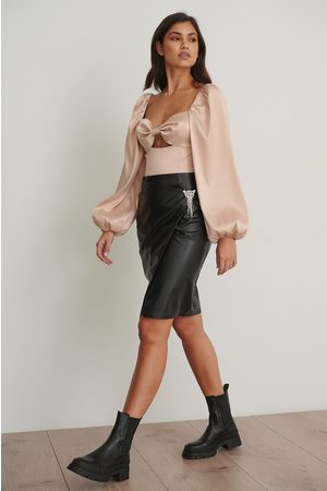 NA-KD PU Brooch Skirt